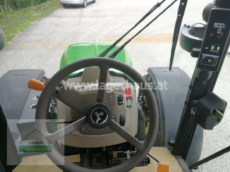 Traktor typu John Deere 5100R, Neumaschine v Göstling (Obrázok 3)