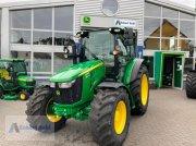 Traktor типа John Deere 5100R, Neumaschine в Hillesheim