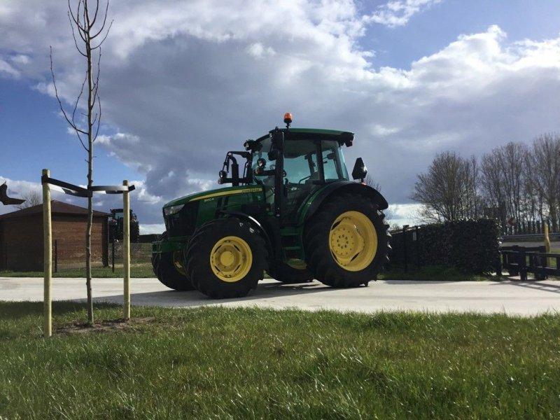 Traktor типа John Deere 5100r, Gebrauchtmaschine в Vriezenveen (Фотография 1)