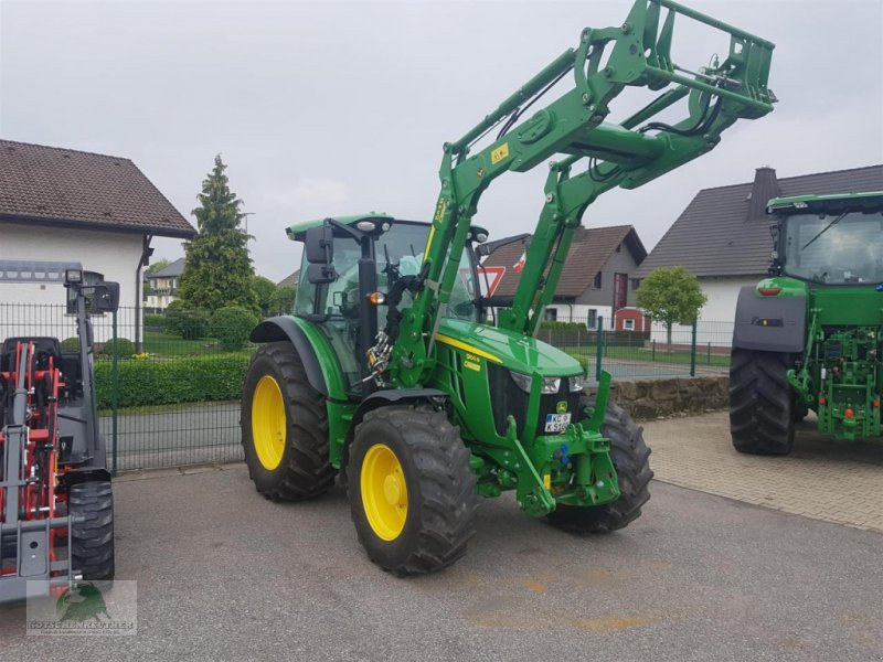 Traktor des Typs John Deere 5100R, Gebrauchtmaschine in Steinwiesen-Neufang (Bild 1)