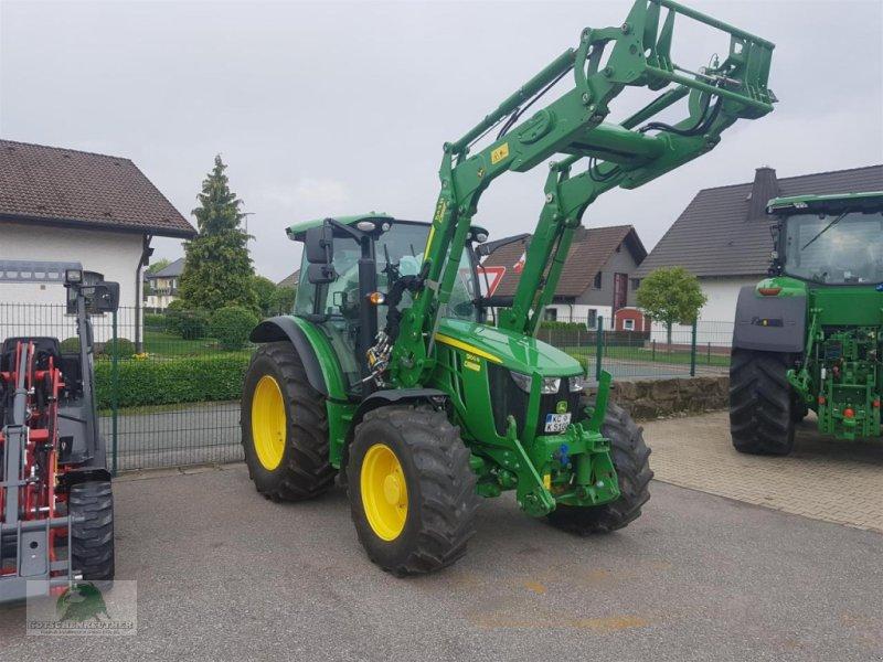 Traktor des Typs John Deere 5100R, Gebrauchtmaschine in Plauen (Bild 1)