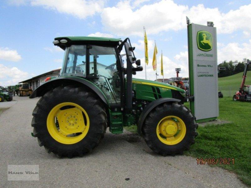 Traktor des Typs John Deere 5100R, Neumaschine in Soyen (Bild 1)