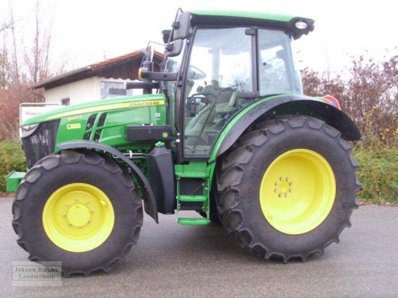 Traktor des Typs John Deere 5100r, Gebrauchtmaschine in Unterneukirchen (Bild 3)