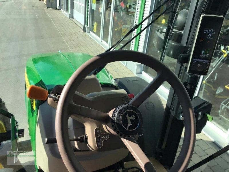 Traktor des Typs John Deere 5100R, Neumaschine in Kanzach (Bild 2)
