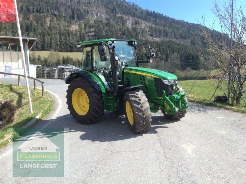Traktor des Typs John Deere 5125 R, Neumaschine in Murau (Bild 1)