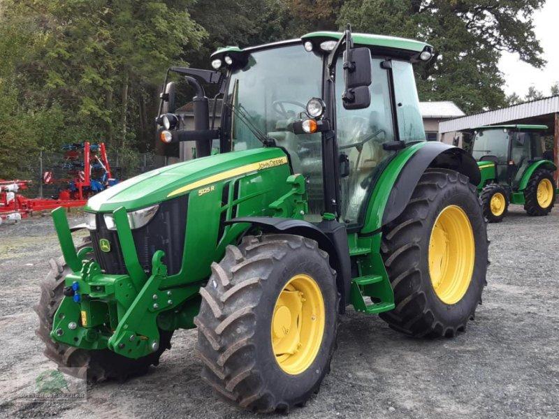 Traktor des Typs John Deere 5125R, Neumaschine in Plauen (Bild 1)