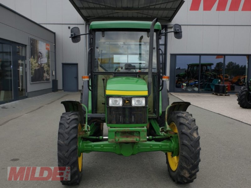 Traktor des Typs John Deere 5400, Gebrauchtmaschine in Creußen (Bild 2)