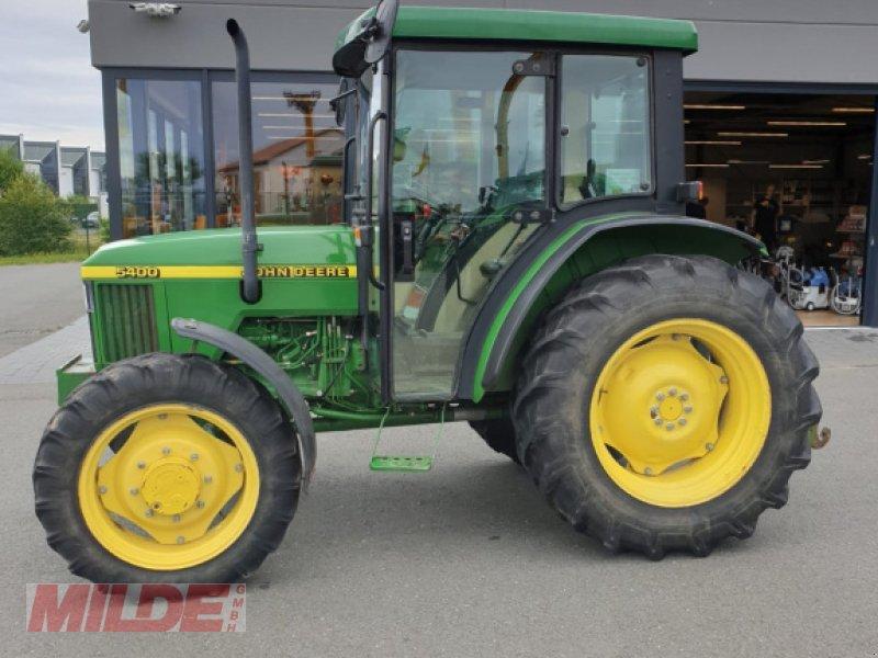 Traktor des Typs John Deere 5400, Gebrauchtmaschine in Creußen (Bild 4)