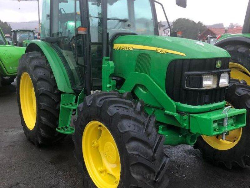 Traktor des Typs John Deere 5620, Gebrauchtmaschine in SAINT PALAIS  (Bild 1)