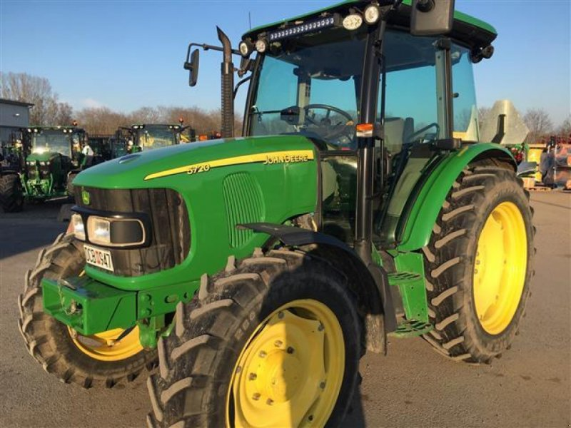 Traktor des Typs John Deere 5720 TRAKTOR, Gebrauchtmaschine in  (Bild 1)