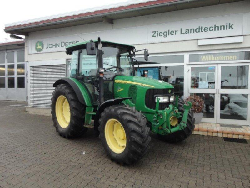 Traktor des Typs John Deere 5720, Gebrauchtmaschine in Kandern-Tannenkirch (Bild 1)