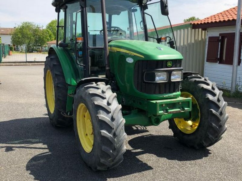 Traktor типа John Deere 5720, Gebrauchtmaschine в SAINT PALAIS  (Фотография 1)