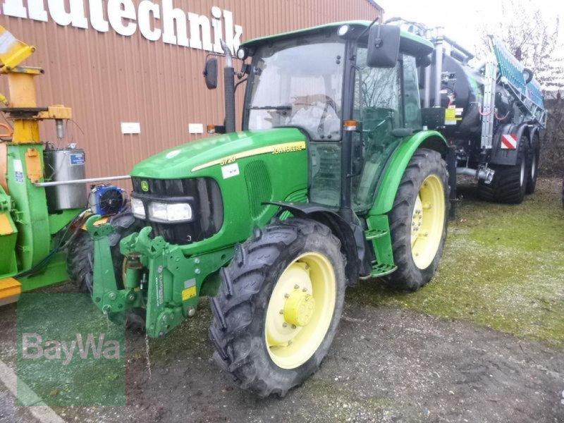 Traktor des Typs John Deere 5720, Gebrauchtmaschine in Landshut (Bild 1)