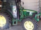 Traktor typu John Deere 5720 v Lörzweiler