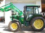 Traktor des Typs John Deere 5720 in Hohenburg