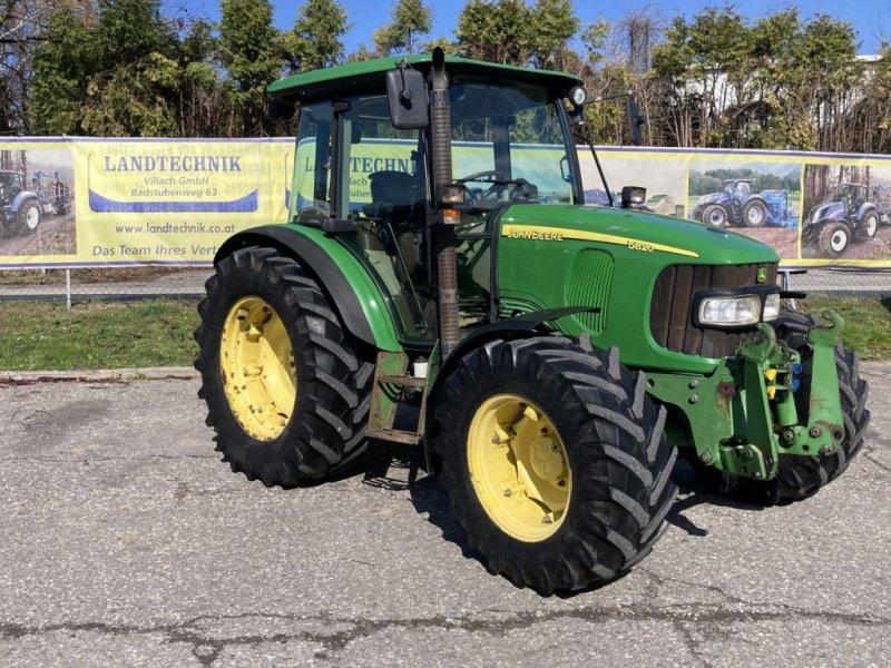 Traktor des Typs John Deere 5820 Premium, Gebrauchtmaschine in Villach (Bild 1)