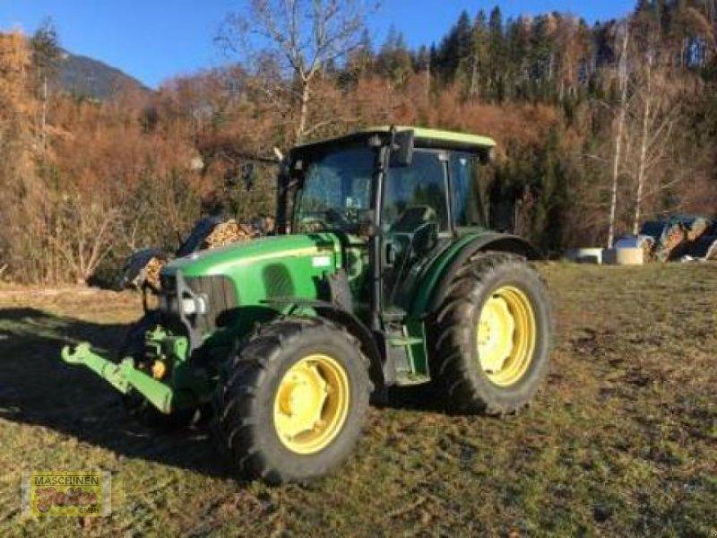 Traktor des Typs John Deere 5820 Premium, Gebrauchtmaschine in Kötschach (Bild 1)