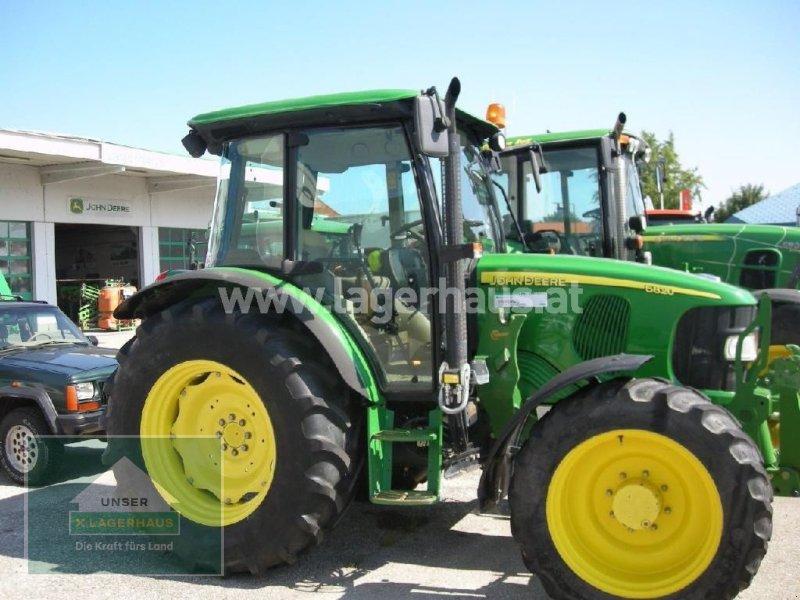 Traktor des Typs John Deere 5820 PREMIUM, Gebrauchtmaschine in Eferding (Bild 1)