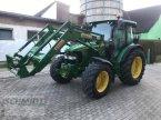 Traktor des Typs John Deere 5820 in Herbrechtingen
