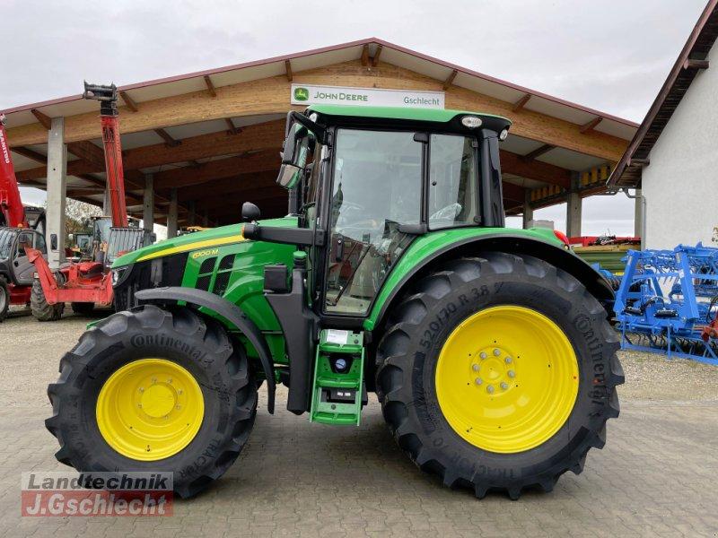 Traktor des Typs John Deere 6100 M, Neumaschine in Mühldorf (Bild 1)