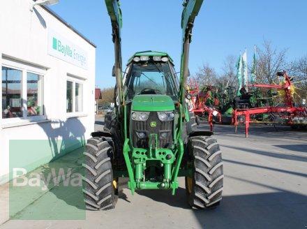 Traktor des Typs John Deere 6105 RC, Gebrauchtmaschine in Straubing (Bild 2)