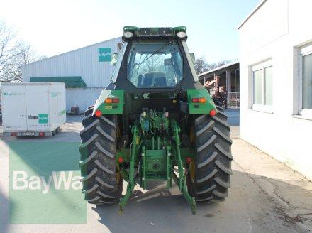 Traktor des Typs John Deere 6105 RC, Gebrauchtmaschine in Straubing (Bild 7)
