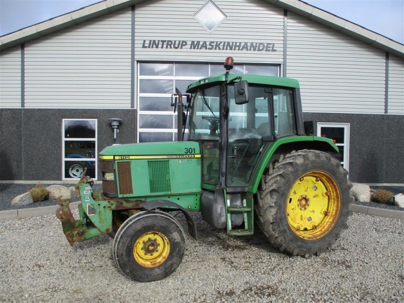 Traktor typu John Deere 6110 Med frontlift og frontPTO, Gebrauchtmaschine w Lintrup (Zdjęcie 1)