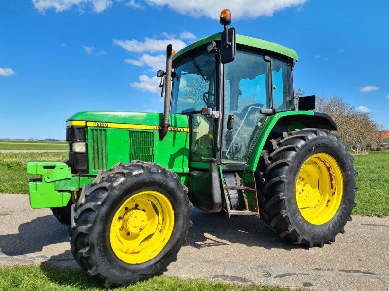 Traktor типа John Deere 6110, Gebrauchtmaschine в Scharsterbrug (Фотография 1)
