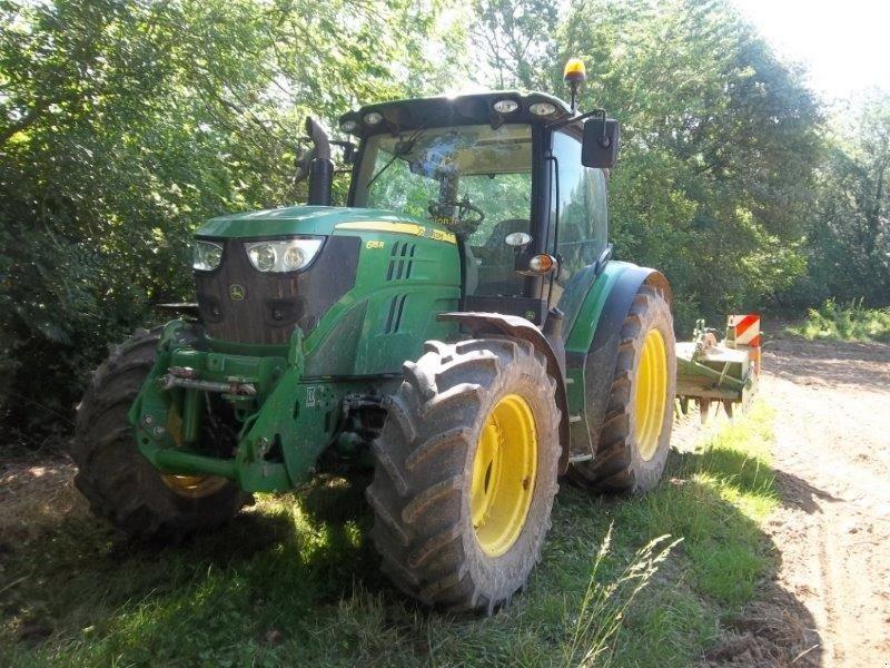 Traktor a típus John Deere 6115 R, Gebrauchtmaschine ekkor: CASTETIS (Kép 1)