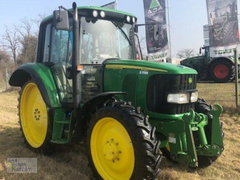 Traktor типа John Deere 6120 Premium, Gebrauchtmaschine в Deutsch-Wagram (Фотография 1)