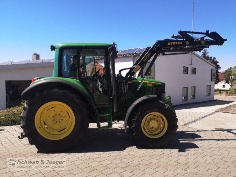 Traktor типа John Deere 6120 Premium, Gebrauchtmaschine в Fünfstetten (Фотография 4)