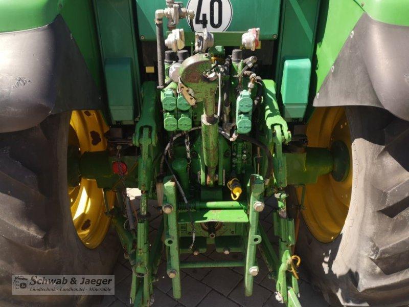Traktor типа John Deere 6120 Premium, Gebrauchtmaschine в Fünfstetten (Фотография 8)