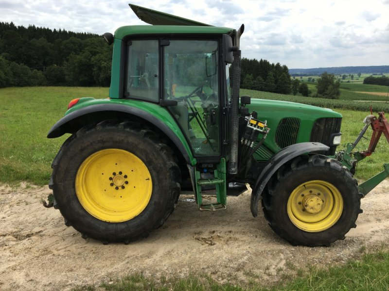 Traktor типа John Deere 6120 Premium, Gebrauchtmaschine в Balzhausen (Фотография 1)
