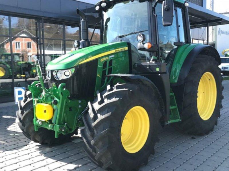 Traktor a típus John Deere 6120M, Ausstellungsmaschine ekkor: Ersingen (Kép 1)