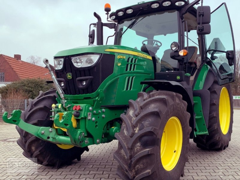 Traktor tip John Deere 6130 R PREMIUM Allrad Traktor **neuwertig**, Neumaschine in Bramsche (Poză 1)