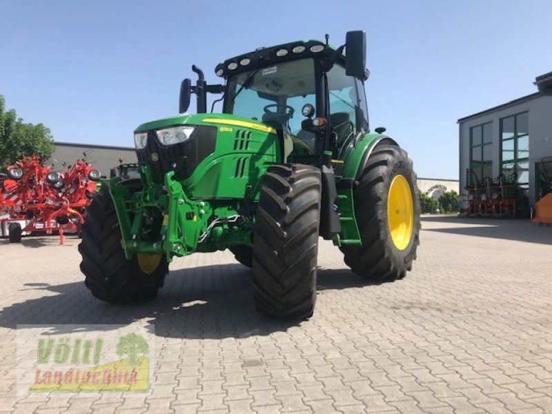 Traktor des Typs John Deere 6130 R, Neumaschine in Hutthurm bei Passau (Bild 1)