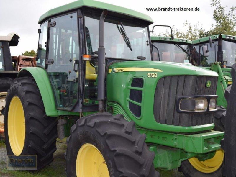 Traktor des Typs John Deere 6130, Gebrauchtmaschine in Bremen (Bild 1)