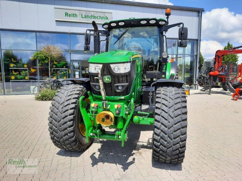 Traktor типа John Deere 6135 R, Gebrauchtmaschine в Langweid am Lech  (Фотография 2)