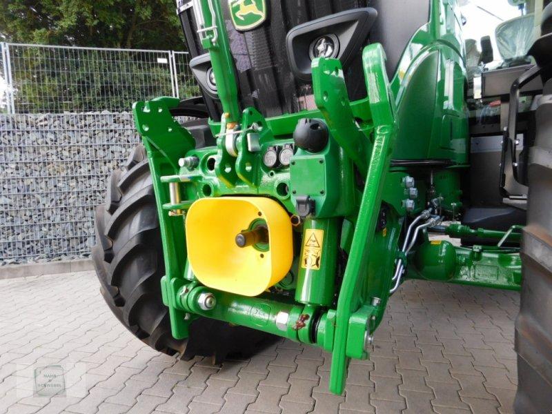 Traktor des Typs John Deere 6155 R, Neumaschine in Gross-Bieberau (Bild 2)