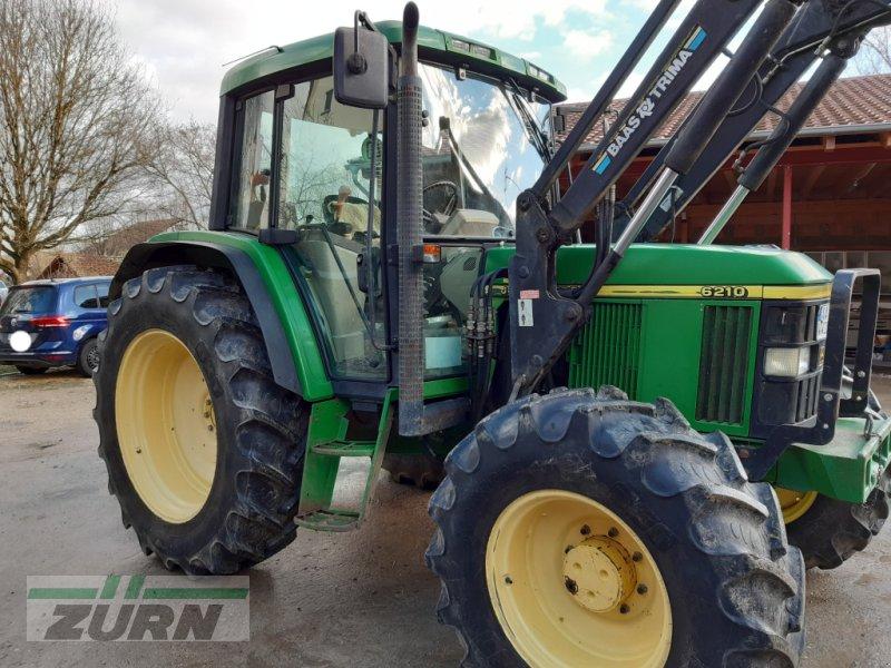 Traktor des Typs John Deere 6210 Premium, Gebrauchtmaschine in Neresheim-Ohmenheim (Bild 1)