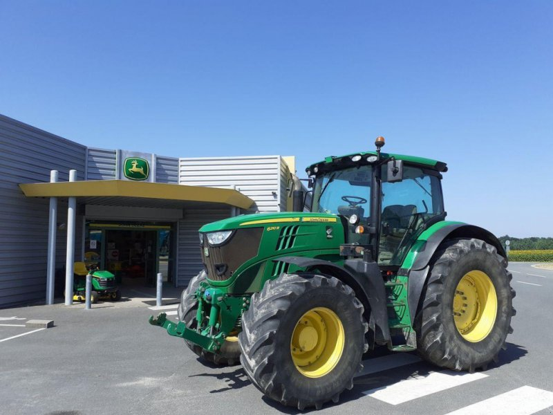 Traktor типа John Deere 6210 R, Gebrauchtmaschine в NOYANT (Фотография 1)