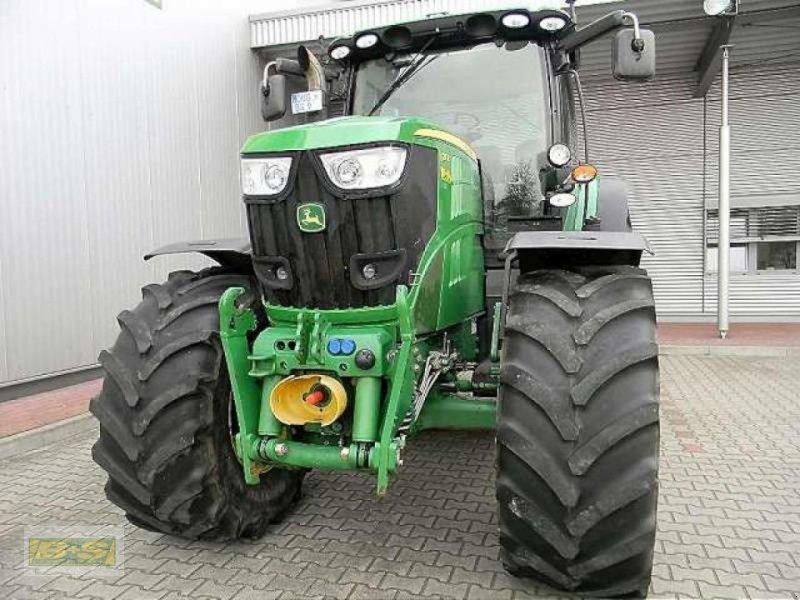 Traktor des Typs John Deere 6210R ALLRADTRAKTOR, Neumaschine in Osterburg (Bild 3)