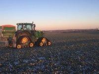 John Deere 6210r autopower autotrac  Med bælter og frontlæsser Traktor