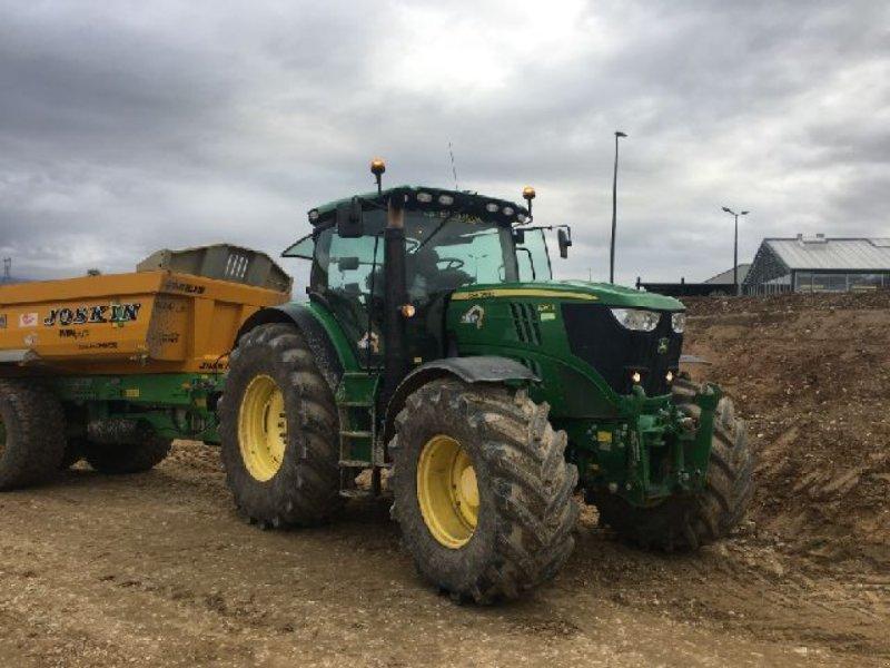 Traktor a típus John Deere 6210R, Gebrauchtmaschine ekkor: RENAGE (Kép 1)