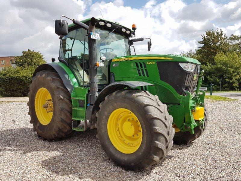 Traktor des Typs John Deere 6210R, Gebrauchtmaschine in Neubrandenburg (Bild 1)