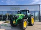 Traktor des Typs John Deere 6215 R in Langweid am Lech