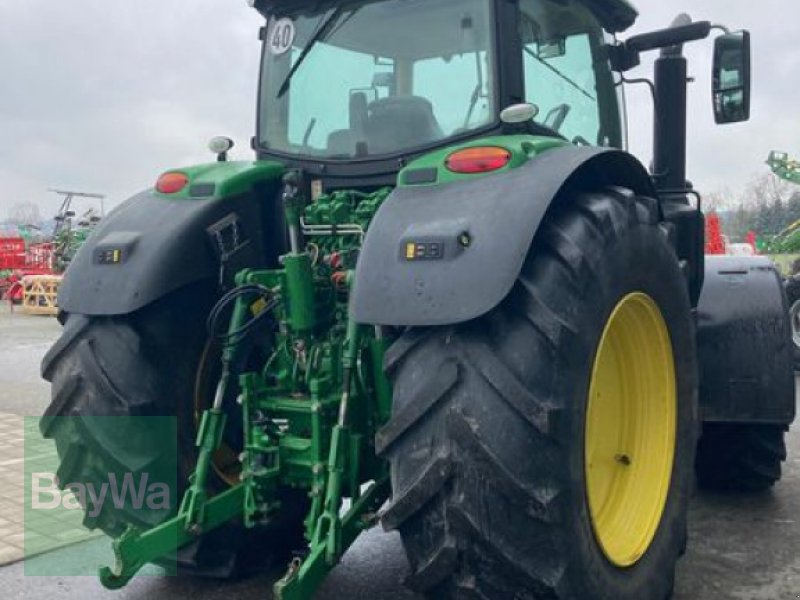 Traktor des Typs John Deere 6215 R, Gebrauchtmaschine in Eggenfelden (Bild 6)