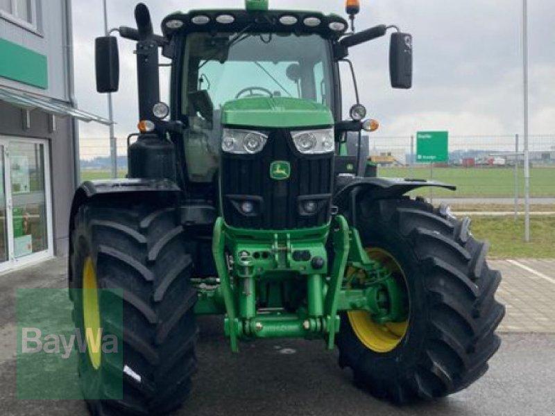 Traktor des Typs John Deere 6215 R, Gebrauchtmaschine in Eggenfelden (Bild 3)