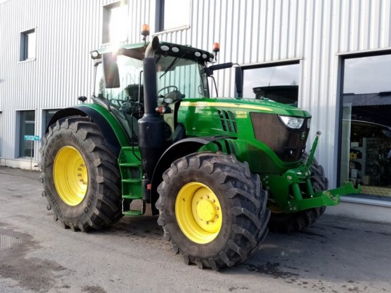 Traktor типа John Deere 6215, Gebrauchtmaschine в THEROUANNE (Фотография 1)