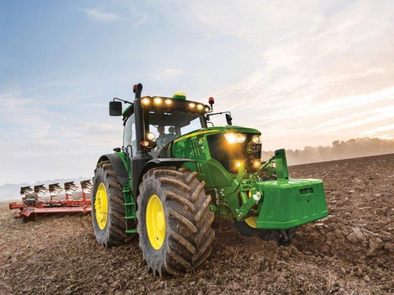 Traktor a típus John Deere 6215R, Gebrauchtmaschine ekkor: Videbæk (Kép 1)